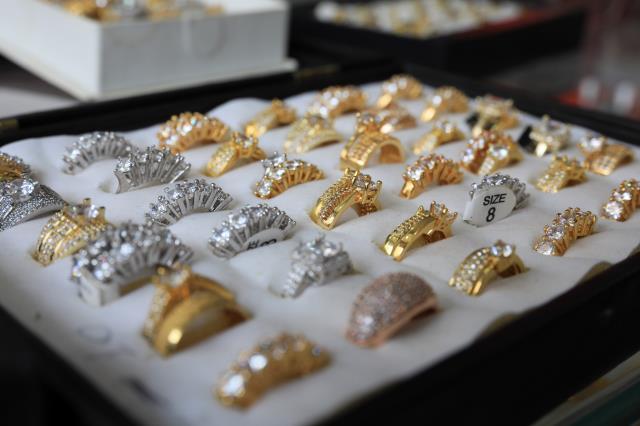 Kuyumcular bile satın alıyor! Düğün sezonu öncesi 'imitasyon altın' satışları patladı